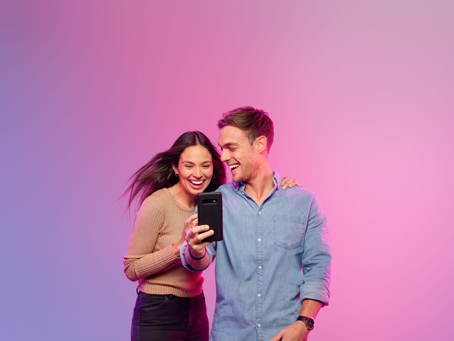 Earn Telstra Plus points with Booking.com and Huddle Insurance