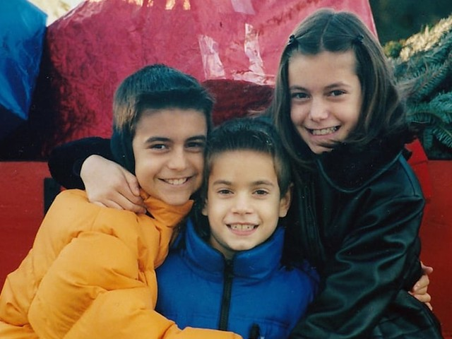 6 Reasons Why Growing Up a Middle Child Gave Me the Best of Both Worlds