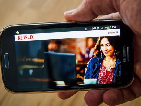Netflix raises $2b in debt to fund more content