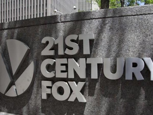 In the battle for Rupert Murdoch's 21st Century Fox, Comcast blinks