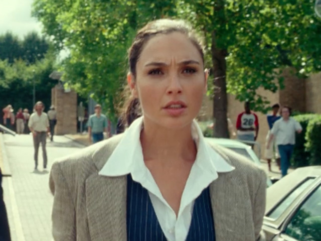 Wonder Woman 1984 trailer plunges Gal Gadot's hero into the Cold War - CNET