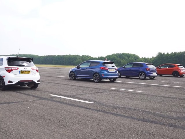 New Ford Fiesta ST Goes Against Every Rival In Hot Hatch Drag Race