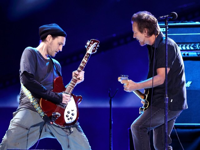 Pearl Jam Played Their First Show With New Touring Member, Ex-RHCP Guitarist Josh Klinghoffer
