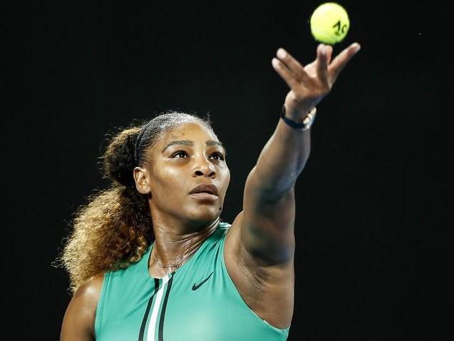 Tennis champions drawn into equal pay debate