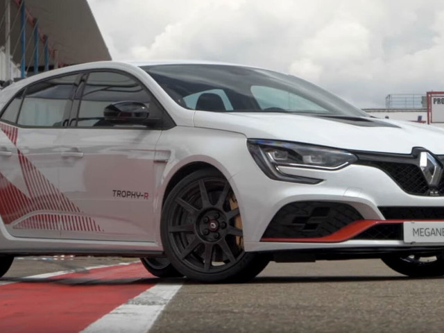 Renault Megane RS Trophy-R Proves Less Is More; Much More