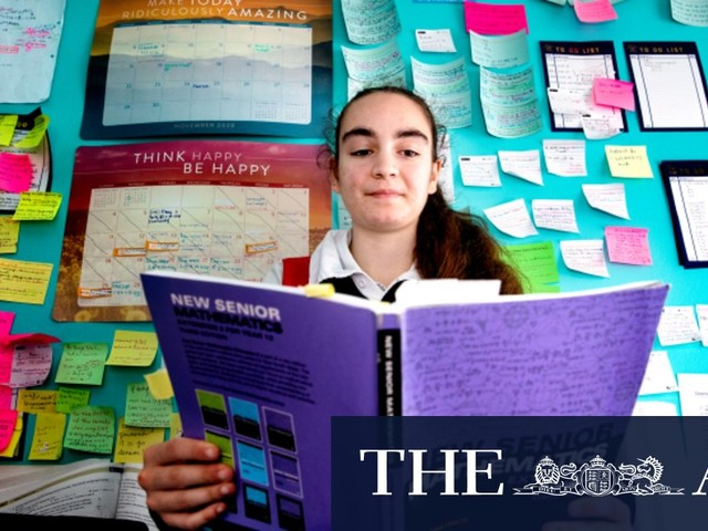 'Difficult to know what to expect': Students put new HSC maths course to the test