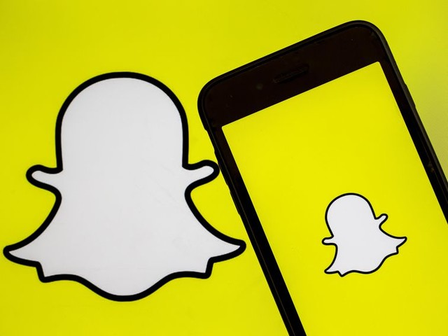 Snapchat might follow Instagram by letting you add music - CNET