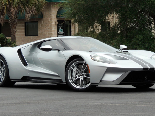 This 2017 Ford GT Is Mysteriously Up For Auction And Ford Has Questions