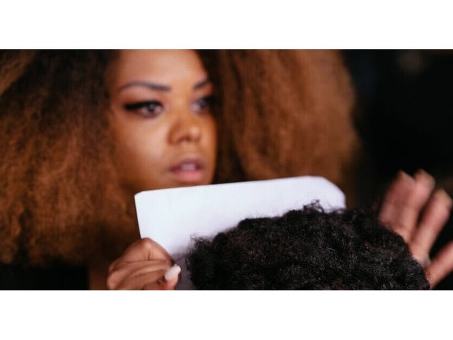"""11 Ways to Support Black Hairstylists, Because """"Our Craft Is Owed That"""""""