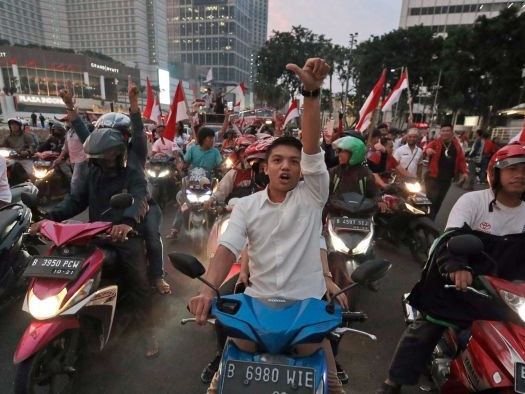 Indonesian presidential candidate Prabowo Subianto tells supporters he's ahead in the country's election