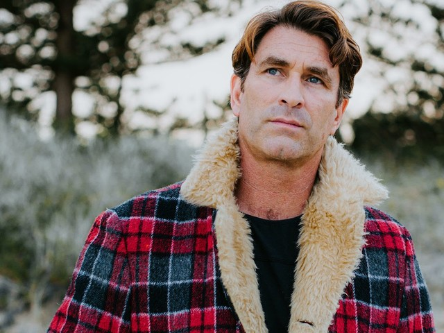 Listen To Pete Murray's New Single 'Hold Me Steady'