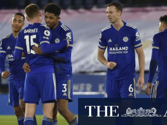 Leicester piles more misery on Chelsea to go top of EPL