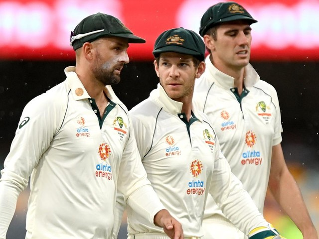 Senior stars' mighty struggle as only three Aussies earn above 7: Mike Hussey's Series Ratings