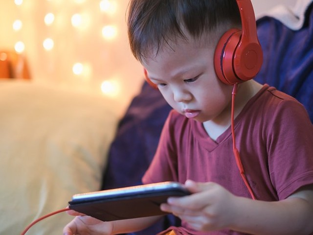 Are your kids often using headphones? Here's how to protect their little ears