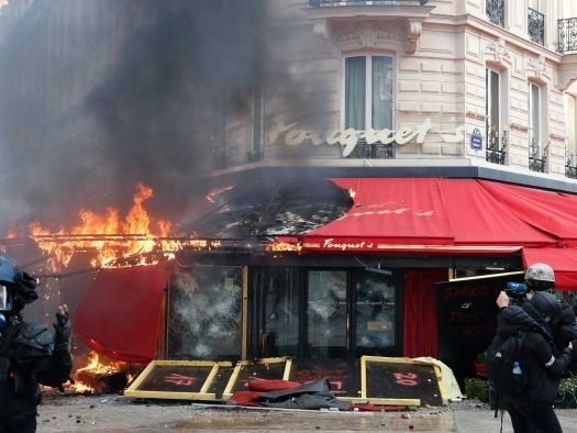 Riots in Paris as yellow vest protest violence flares