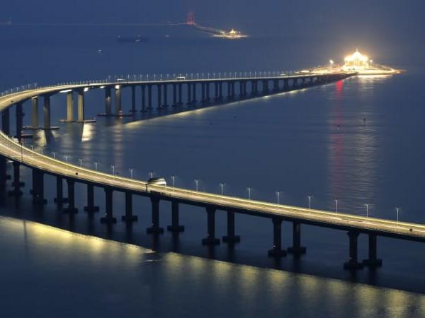 World's longest sea bridge to draw Hong Kong closer to China