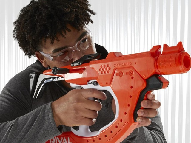 Nerf's Rival Curve Shot lets you blast around corners - CNET