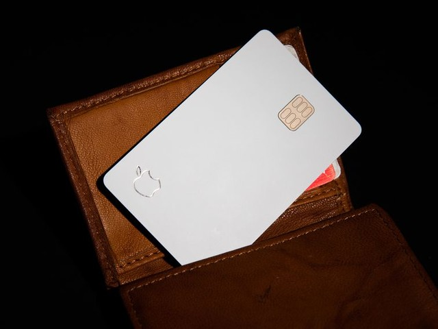 Apple Card isn't into leather - CNET