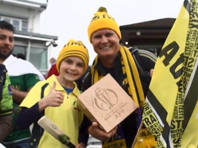 Cricket World Cup 2019: David Warner gives young fan his man of the match award