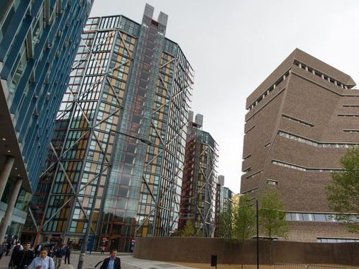 'Draw the blinds': Flat owners lose privacy case against Tate's viewing platform