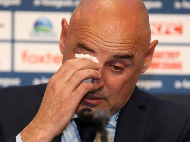 Kevin Muscat breaks down in tears in emotional farewell press conference