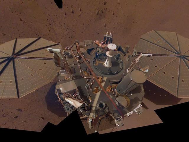 NASA Mars robot hears planet grumble during 90-minute-long marsquake - CNET