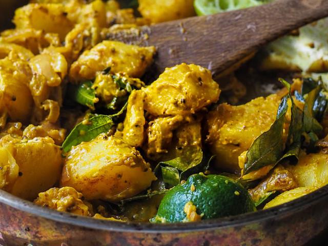 DELICIOUS Sri Lankan Devilled Curried Potatoes {VEGAN}