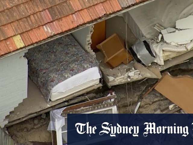 Wall of house next to building site collapses in Bondi