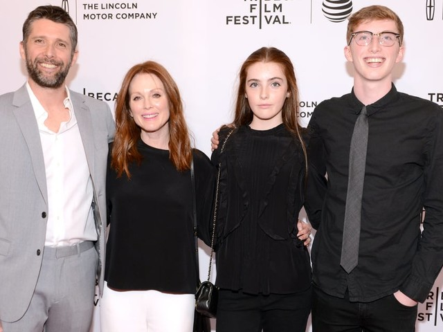 Julianne Moore's 2 Kids Were in a Movie With Her in 2005 - Here's What We Know About Liv and Cal