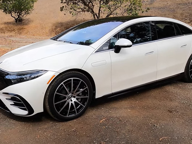 2022 Mercedes-Benz EQS 580 4MATIC Is The Most Luxurious EV On The Market