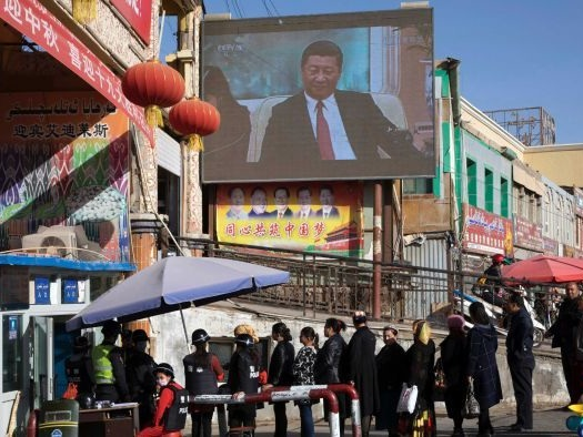 Australian diplomats called on to help Uyghur family stuck in China