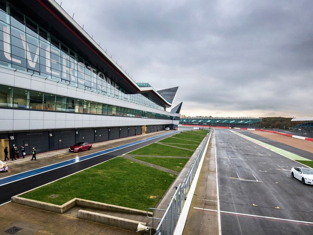 Silverstone Circuit Secures British Grand Prix Until 2024