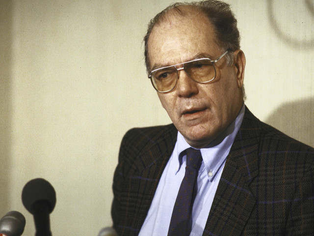 A chaotic concoction: Vietnam deserters, Lyndon LaRouche and the CIA