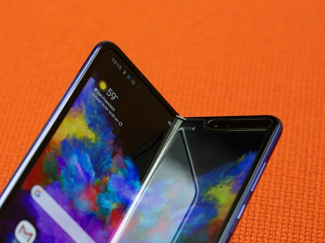 Rushing foldable phones doesn't work. Just ask Samsung and Huawei - CNET