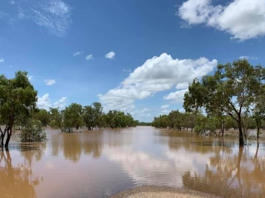 'Debacle' of funding delays plagues road repairs, cuts off Kimberley communities