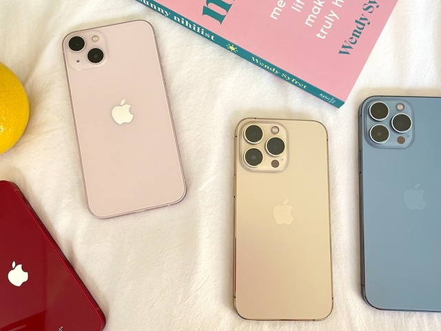 Better Understand the Size of iPhone 13 Models With This Visual Guide