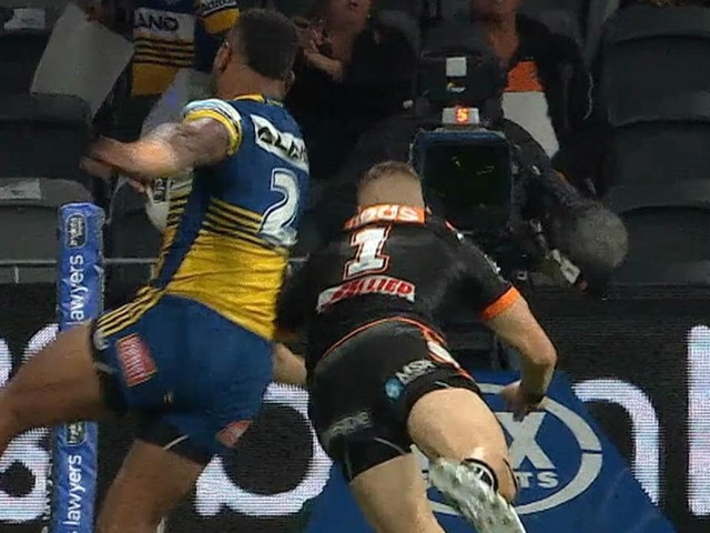 Size doesn't matter, Benji... Marshall's hilarious defence of teammate's shoulder charge
