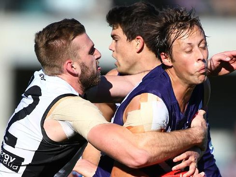 Live: Freo, Power locked in tight battle