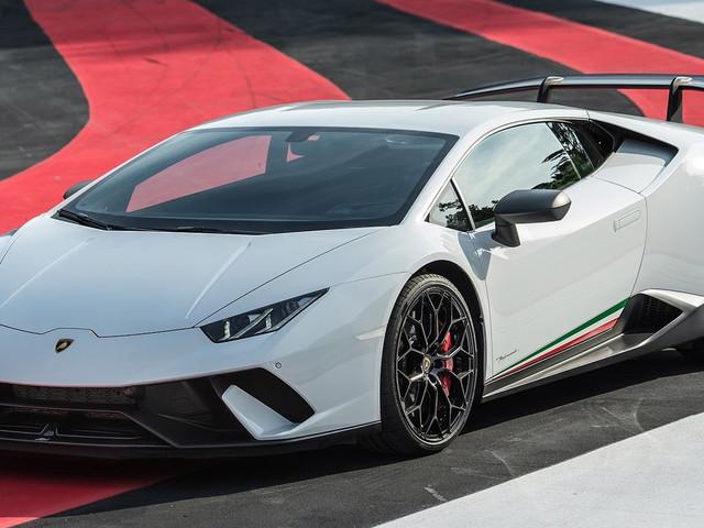 Lamborghini Says Yes To More Hardcore Huracan, No To Rear-Wheel Drive Aventador