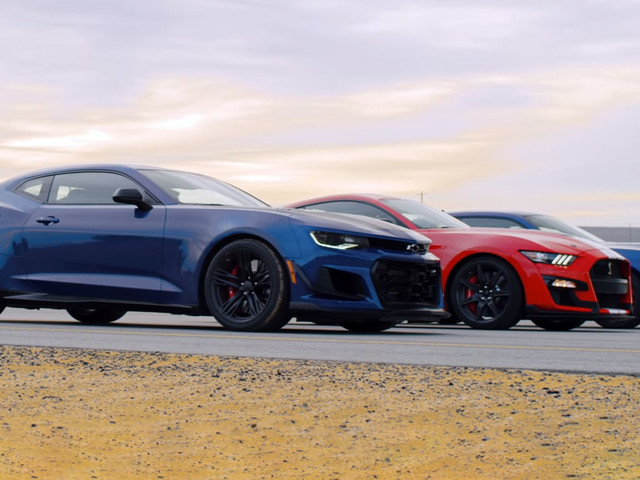 Mustang Shelby GT500 Takes On Camaro ZL1 1LE And Challenger Hellcat Redeye