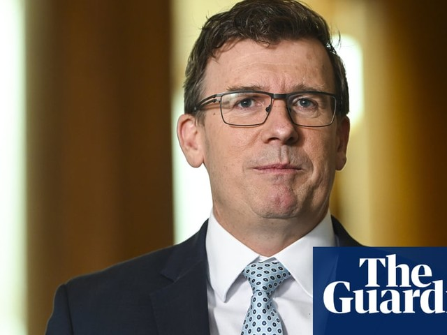 Robodebt: fresh claims against federal minister Alan Tudge delay court trial