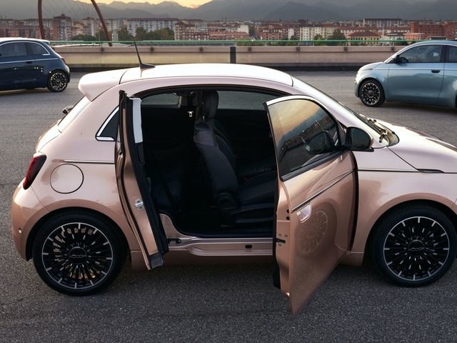 2021 Fiat 500 3+1 Is The Electric Mini's Most Practical Variant With A Third Suicide Door
