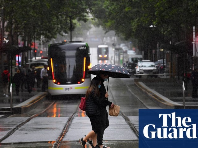 Victoria weather: weekend thunderstorms and strong winds forecast