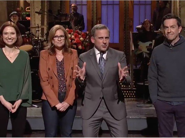 """Steve Carell Gets Cornered By His Costars During SNL: """"Do You Guys Want to See an Office Reboot?"""""""