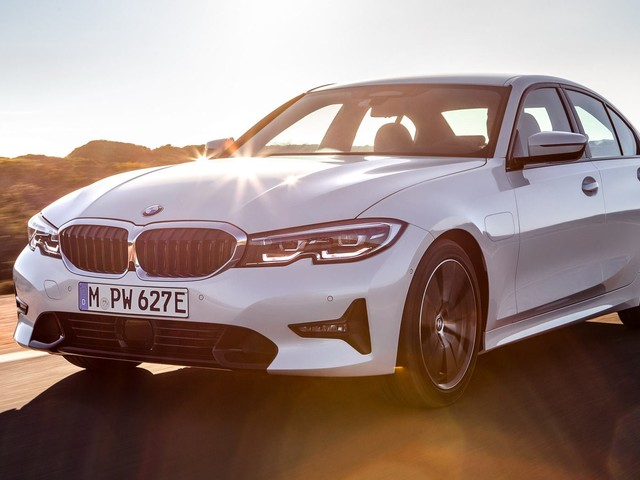 BMW Reveals Plug-In Hybrid 330e With Up To 288HP And 37 Miles Of Electric Range