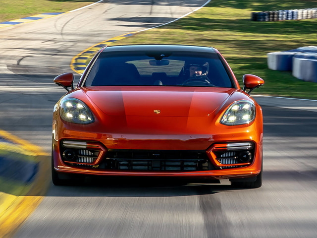 Porsche Sets Fastest Sedan Record At Road Atlanta With Panamera Turbo S Beating Taycan By Over 2 Sec