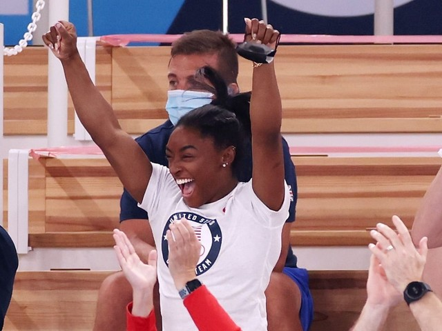 No One at the Olympics Cheered Harder Than Simone Biles When MyKayla Skinner Medalled
