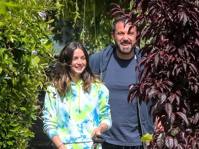 Ana de Armas on trend in tie dye while out for another dog walk with Ben Affleck