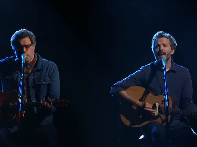 Flight Of The Conchords Play Unreleased Song 'Father & Son' On 'Colbert'
