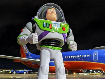 Insolite : Buzz l'éclair en mission dans un aéroport